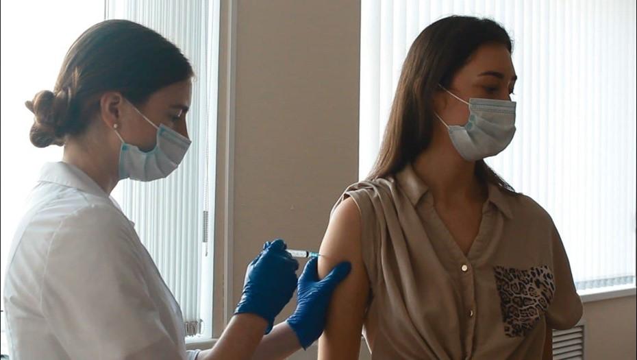Приятной поездки: сервисы такси активируют вакцинацию персонала