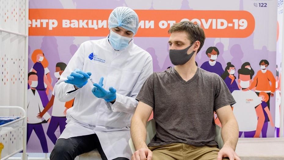 Пунктам вакцинации в Петербурге предложили работать до 22 часов