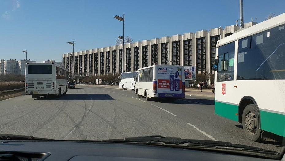 Смольный объявил новые аукционы в рамках транспортной реформы