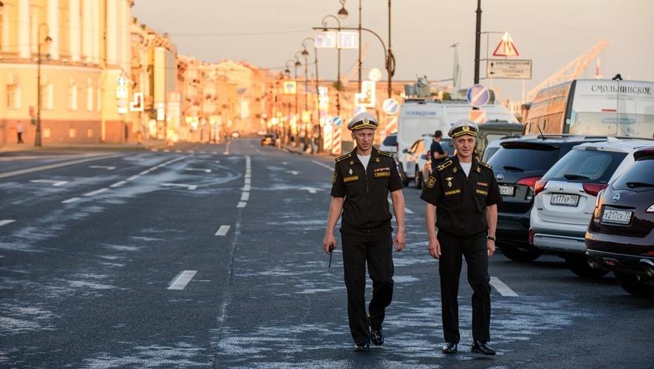Смольный поручил готовиться ко дню военно-морского парада, как к ПМЭФ