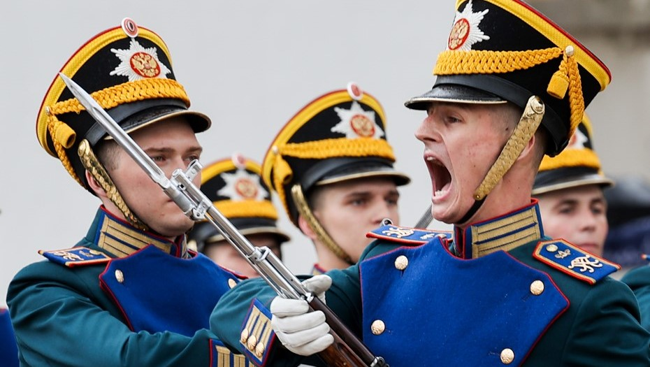 Торжественный развод караулов в Кремле отменили из-за пандемии