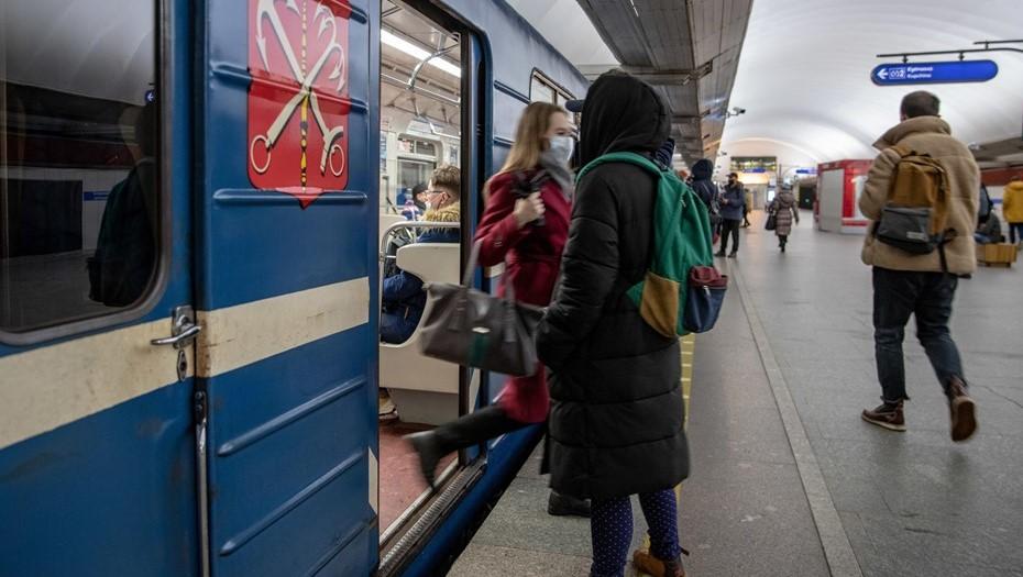 Удалёнка и ковид поставили под вопрос развитие петербургского транспорта
