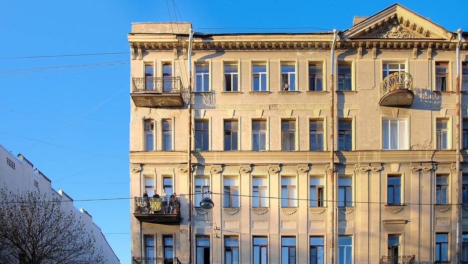 В Петербурге отремонтировали более 3,3 тыс. фасадов жилых домов