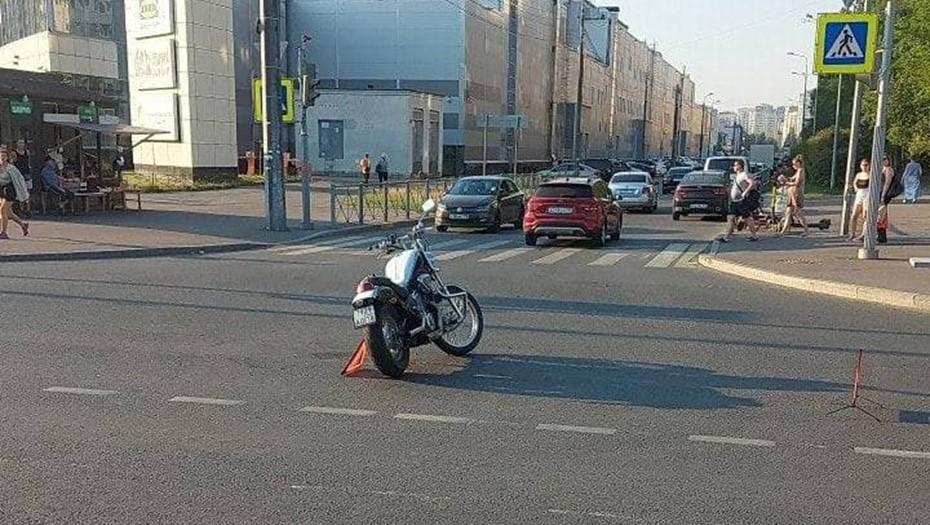 В Петербурге за сутки в аварию попали два мотоциклиста