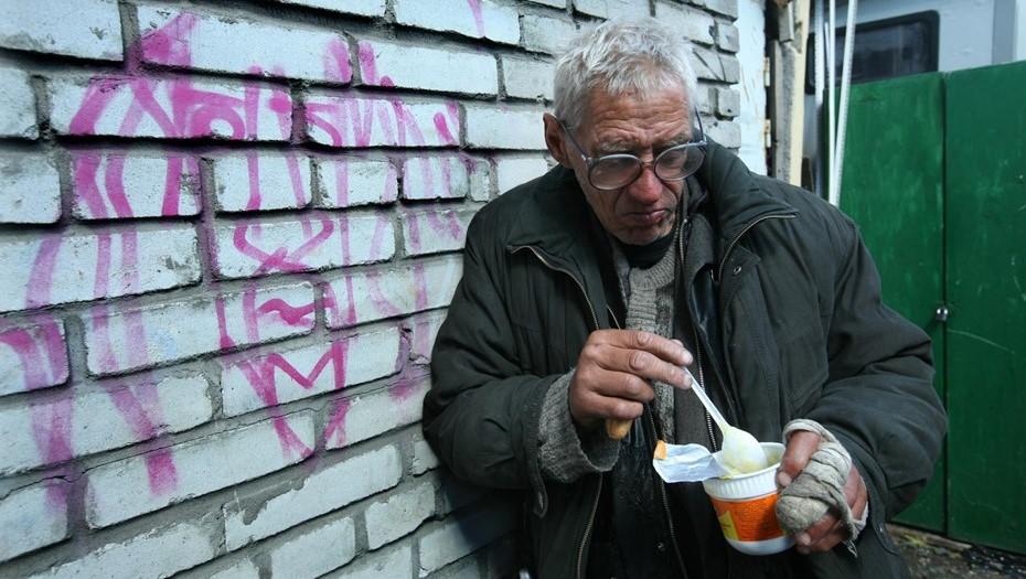 """В петербургской """"Ночлежке"""" вакцинацию от COVID прошли 140 бездомных"""