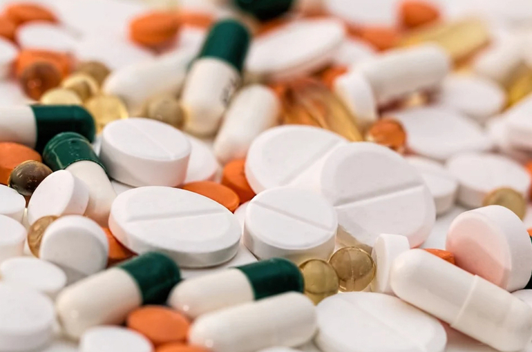 В Совфеде предлагают расширить список заболеваний, при которых выдают бесплатные лекарства