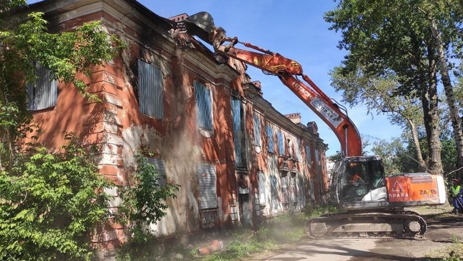 Вице-губернатор Линченко дал старт сносу последних домов в квартале Колпино, 10