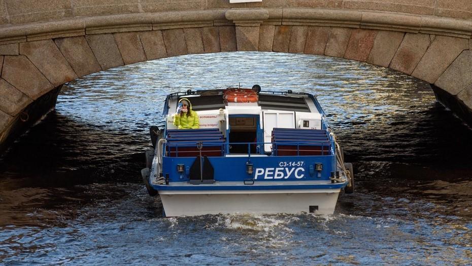 Кольцевой экскурсионный маршрут водного общественного транспорта запустили в Петербурге