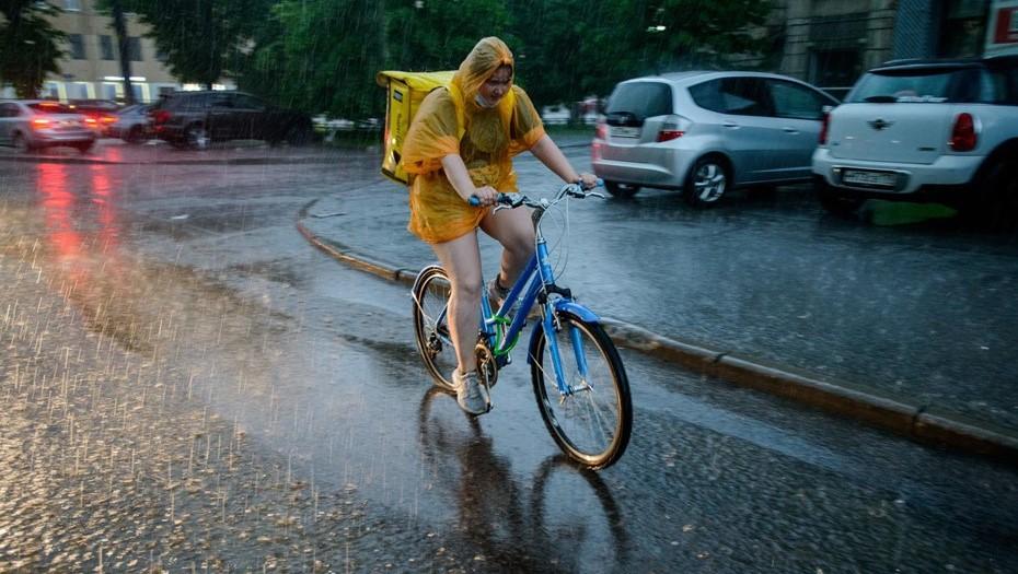 МЧС Ленобласти объявило штормовое предупреждение о грозах с ливнями и градом