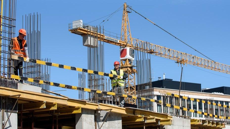 Остатки сладки: объёмы строительства вПетербурге продолжают падать