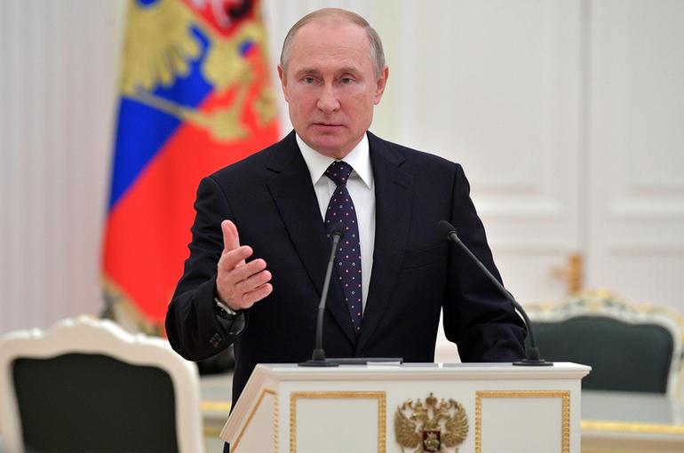 Путин: российские власти будут дальше поддерживать программы улучшения сельской жизни