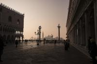 В Италии за сутки заражение COVID-19 выявлено у 5735 человек