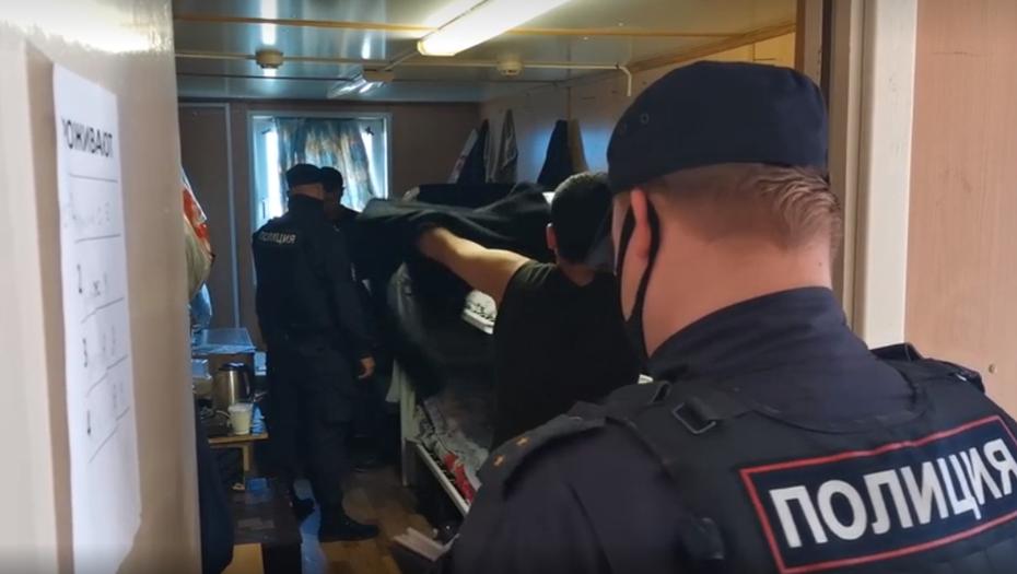 В Ленобласти 500 иностранцев проверили на соблюдение миграционных правил