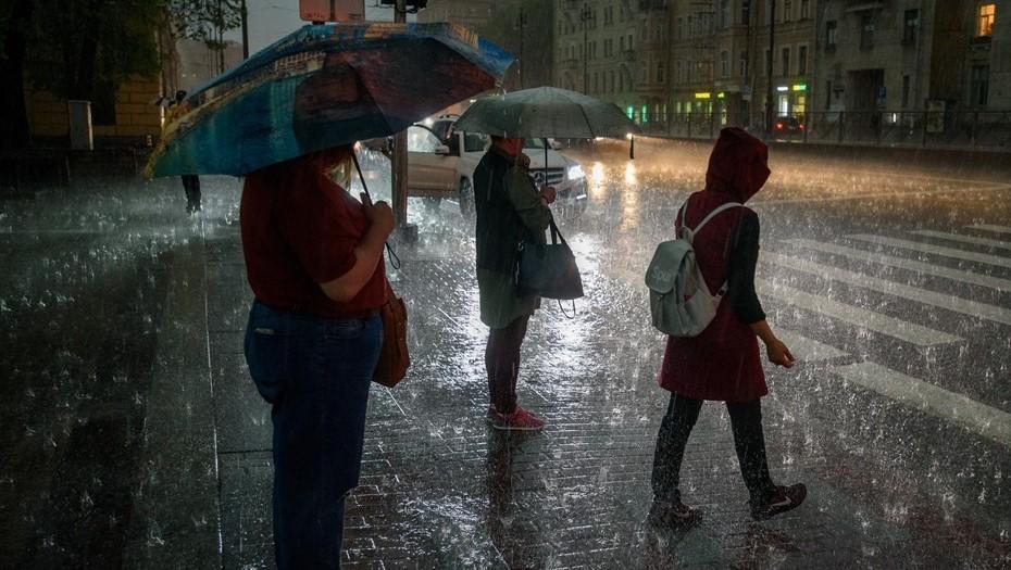 В Петербурге составили список самых уязвимых во время дождя улиц