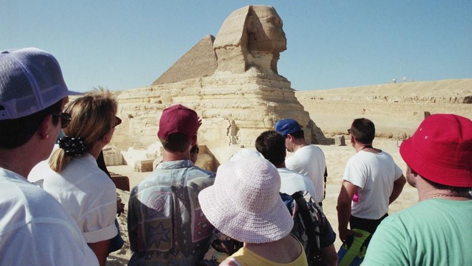 Женщина погибла при наезде грузовика на российских туристов в Египте