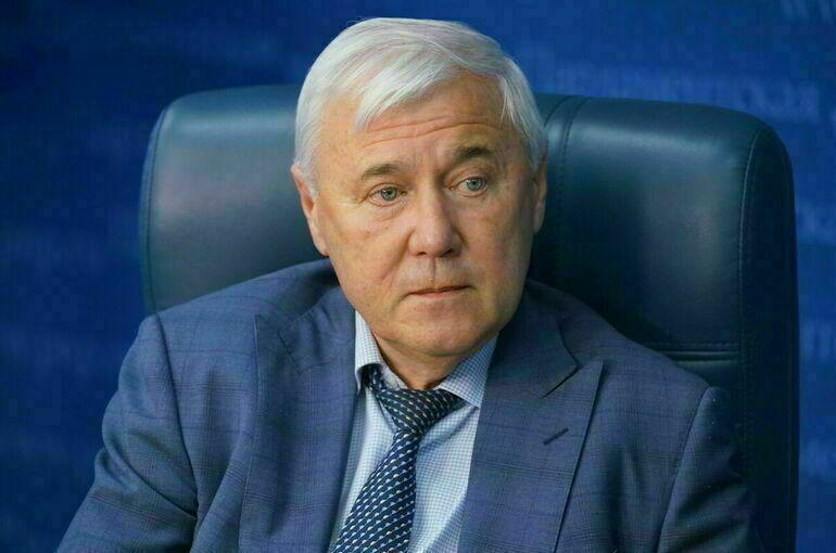 Аксаков предложил обязать иностранцев сдавать биометрию при открытии счетов в банках