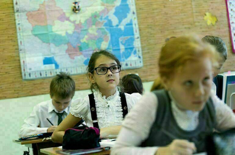 Кабмин проработает обновление системы преподавания истории в школах