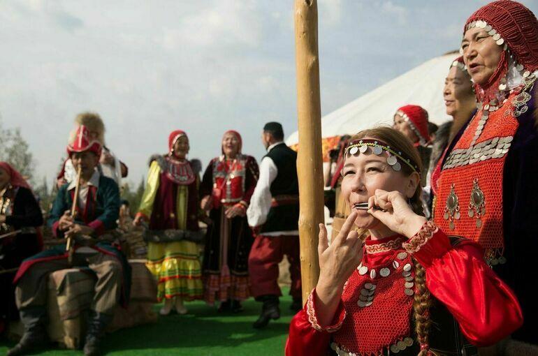 Кабмин одобрил законопроект о назначении социальной пенсии народам Севера