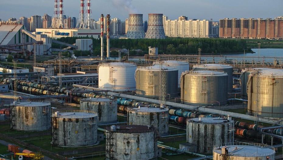 Перевалка нефтепродуктов снизилась на фоне разговоров о переезде Большого порта
