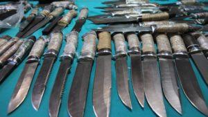 У школьников после массовой драки на Среднегаванском изъяли ножи, топор и биту