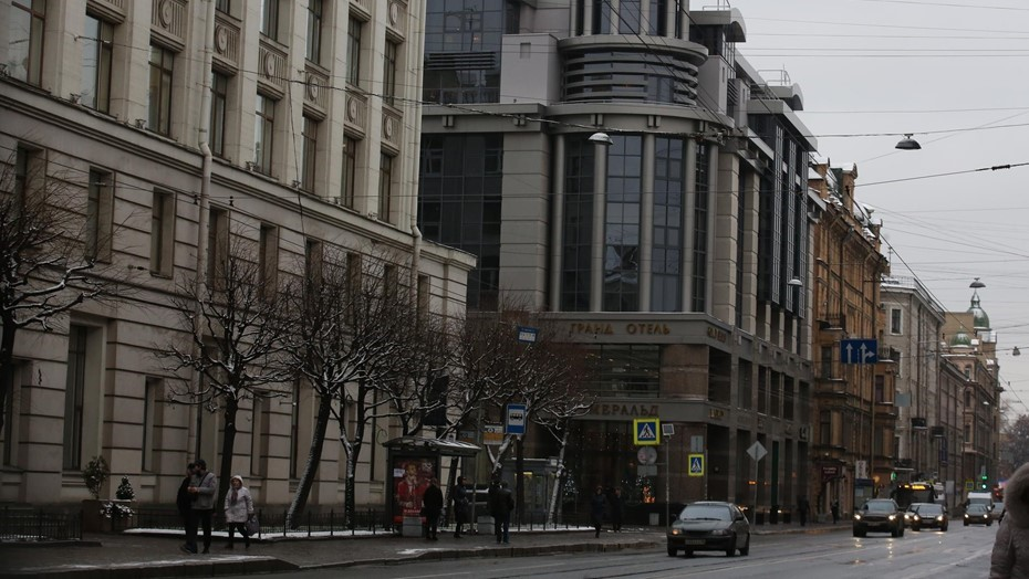 Умные светофоры установят на всех перекрёстках Суворовского проспекта