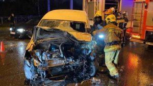 В ДТП на Петергофском шоссе погиб водитель легкового авто